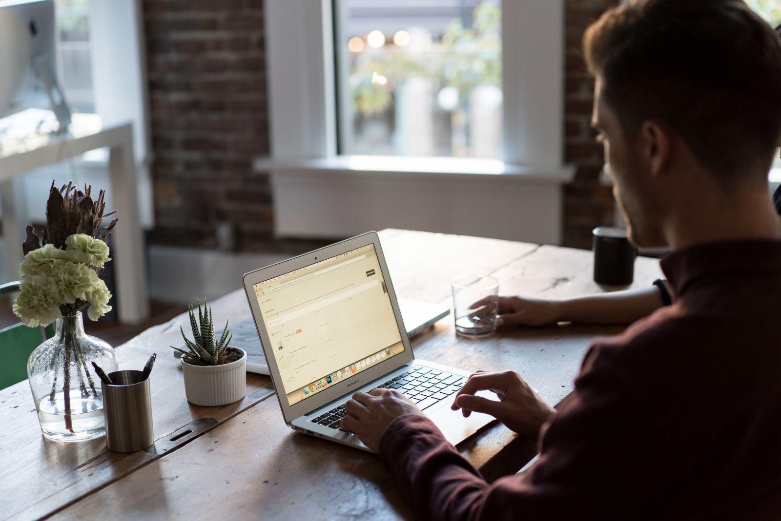 WORK-ON - Włącz się na pracę w branży IT